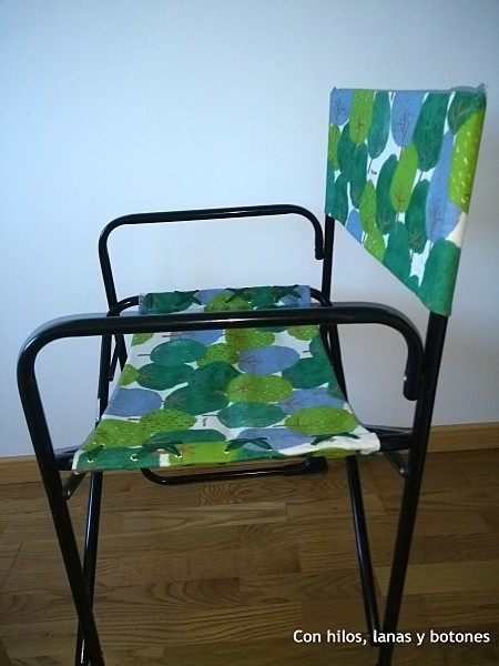 Con hilos, lanas y botones: Renovamos sillas de director con telas bonitas (II)