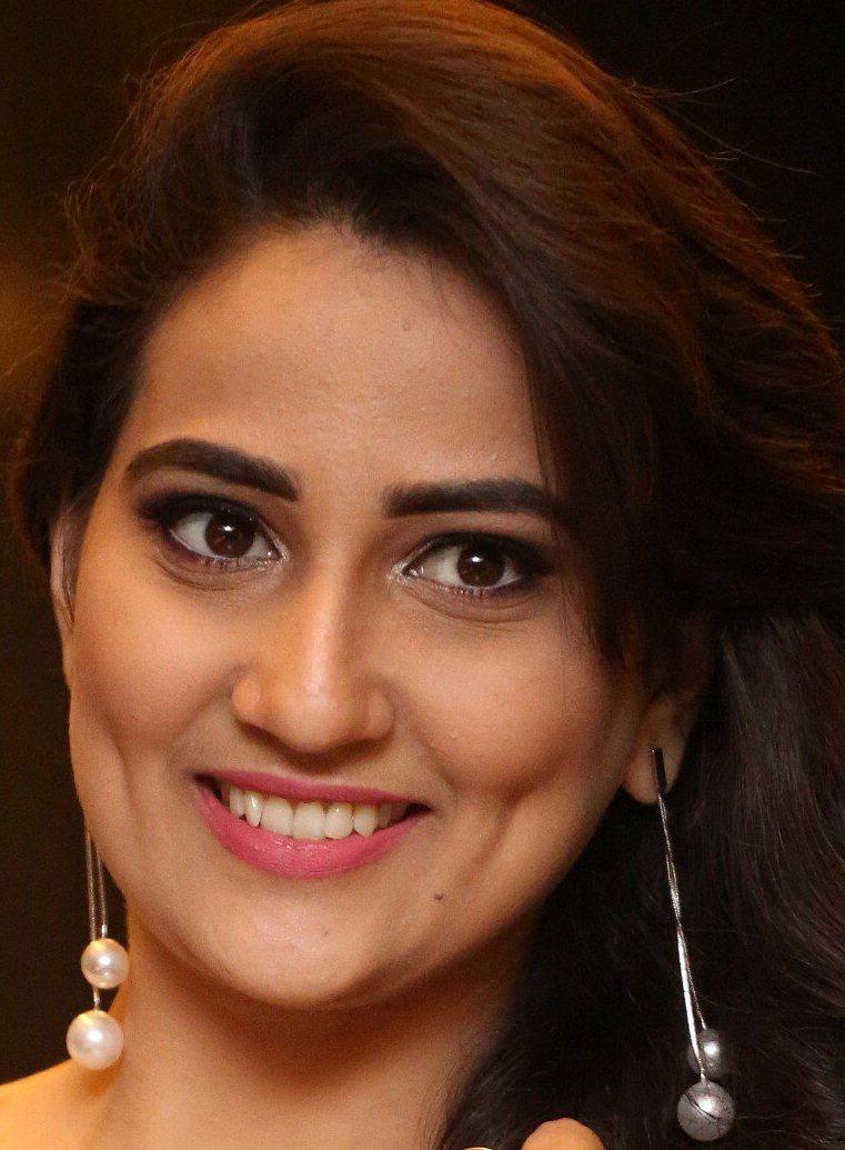 Indian TV Anchor Manjusha Beautiful Ear Rings Face Close Up Stills