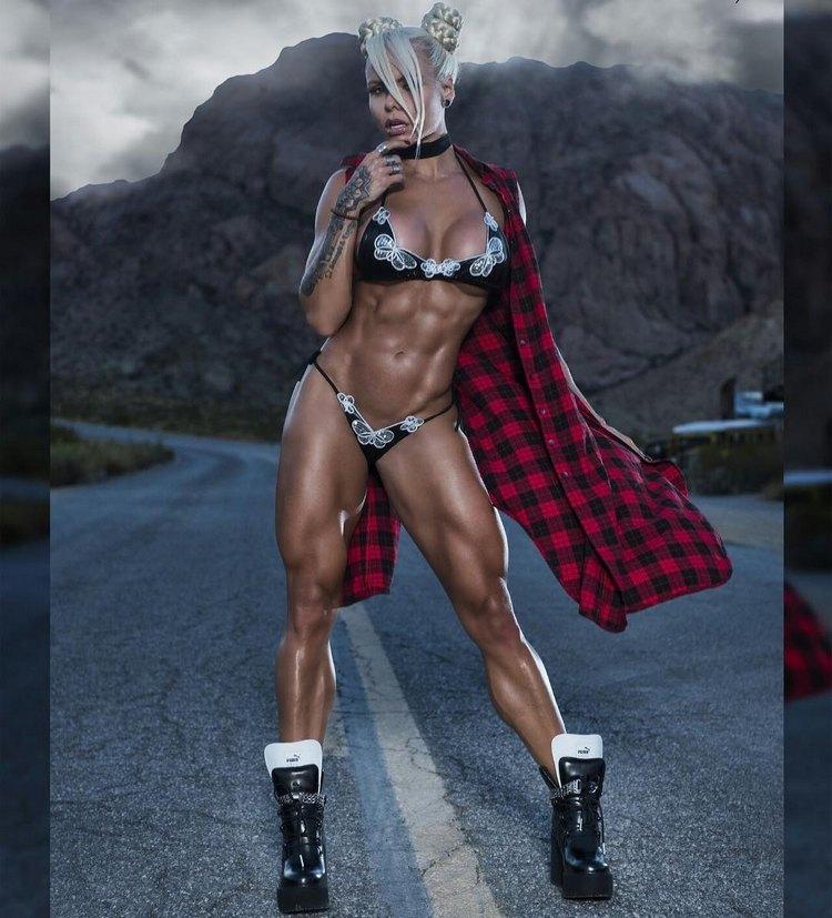 Brazilian Fitness Models Larissa Reis