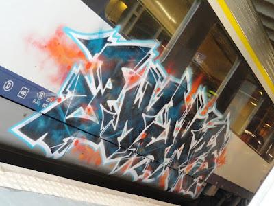 Spuiten Graffiti Op Trein
