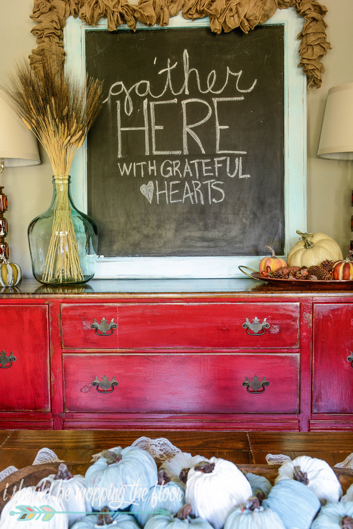 Fall Buffet Decor | Fun and simple ideas for fall decor in the dining room.