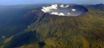 gunung Indonesia, jalur pendakian gunung, gunung terindah di Indonesia, gunung tambora