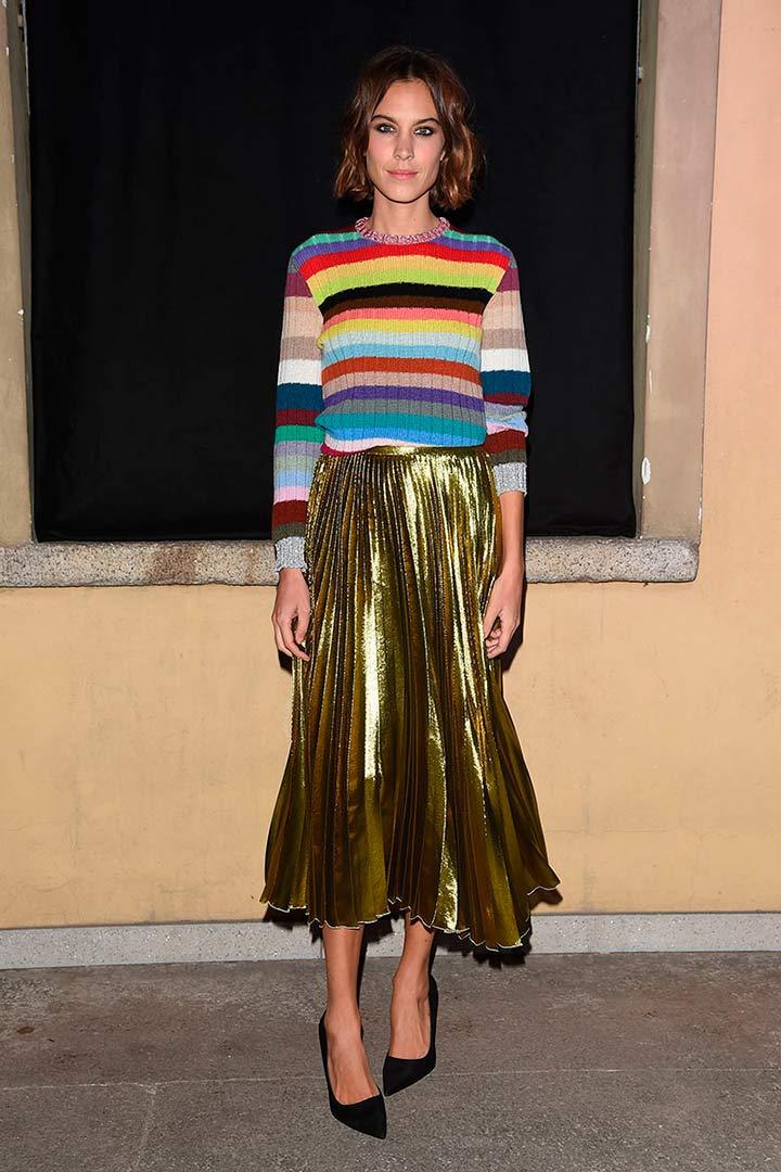 d7f2b1637 Alexa Chung y Chiara Ferragni, ya lucen su jersey de rayas de colores de  Gucci