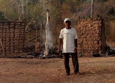Incêndio destrói residência na zona rural de Luzilândia, internautas realizam apelo nas redes sociais.