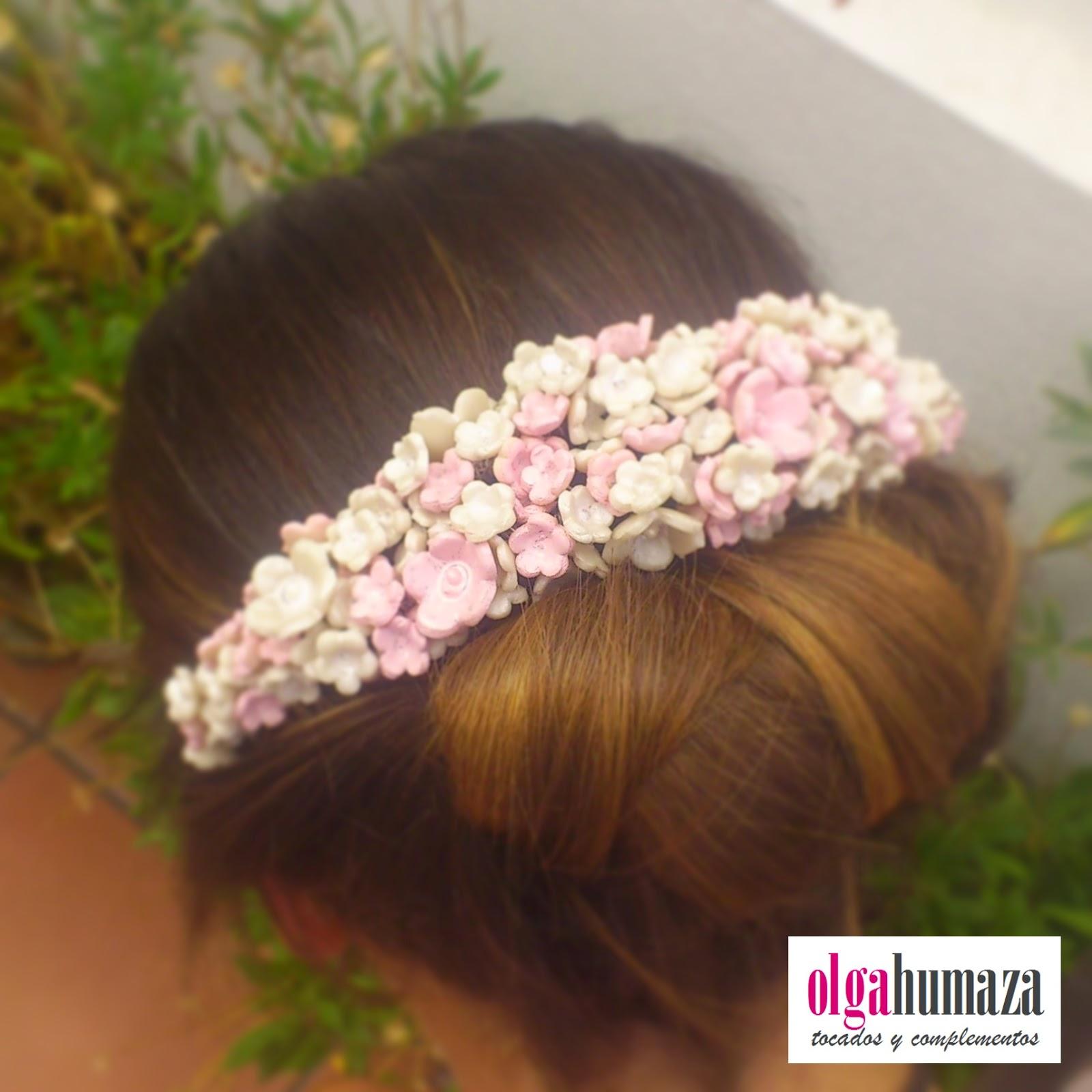 http://olgahumaza.blogspot.com.es/2014/09/b64-tocado-tiara-flores-porcelana-rosa.html
