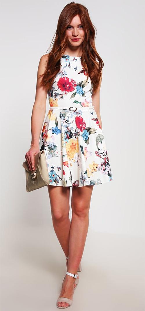 Robe courte d'été blanche à fleurs Closet