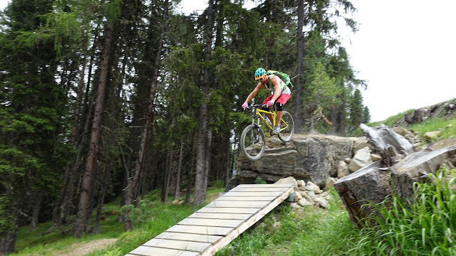 Hardtail Jump Trail auf der Downhillstrecke in Sölden