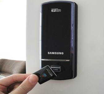 Sự tiện lợi của khóa cửa vân tay Samsung