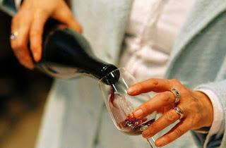 Alat canggih pencegah sakit kepala saat minum wine