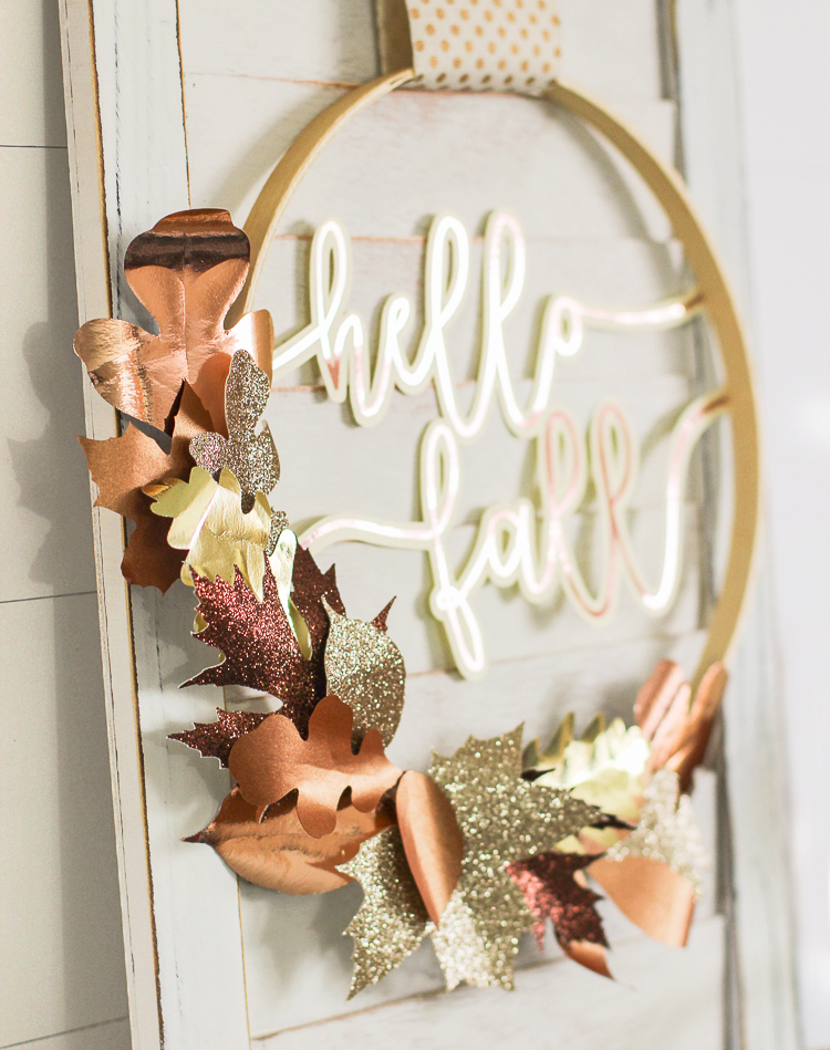 How to make a metallic paper leaf wreath with rose gold words in the center