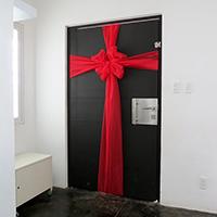 http://www.ohohblog.com/2013/12/diy-christmas-door.html
