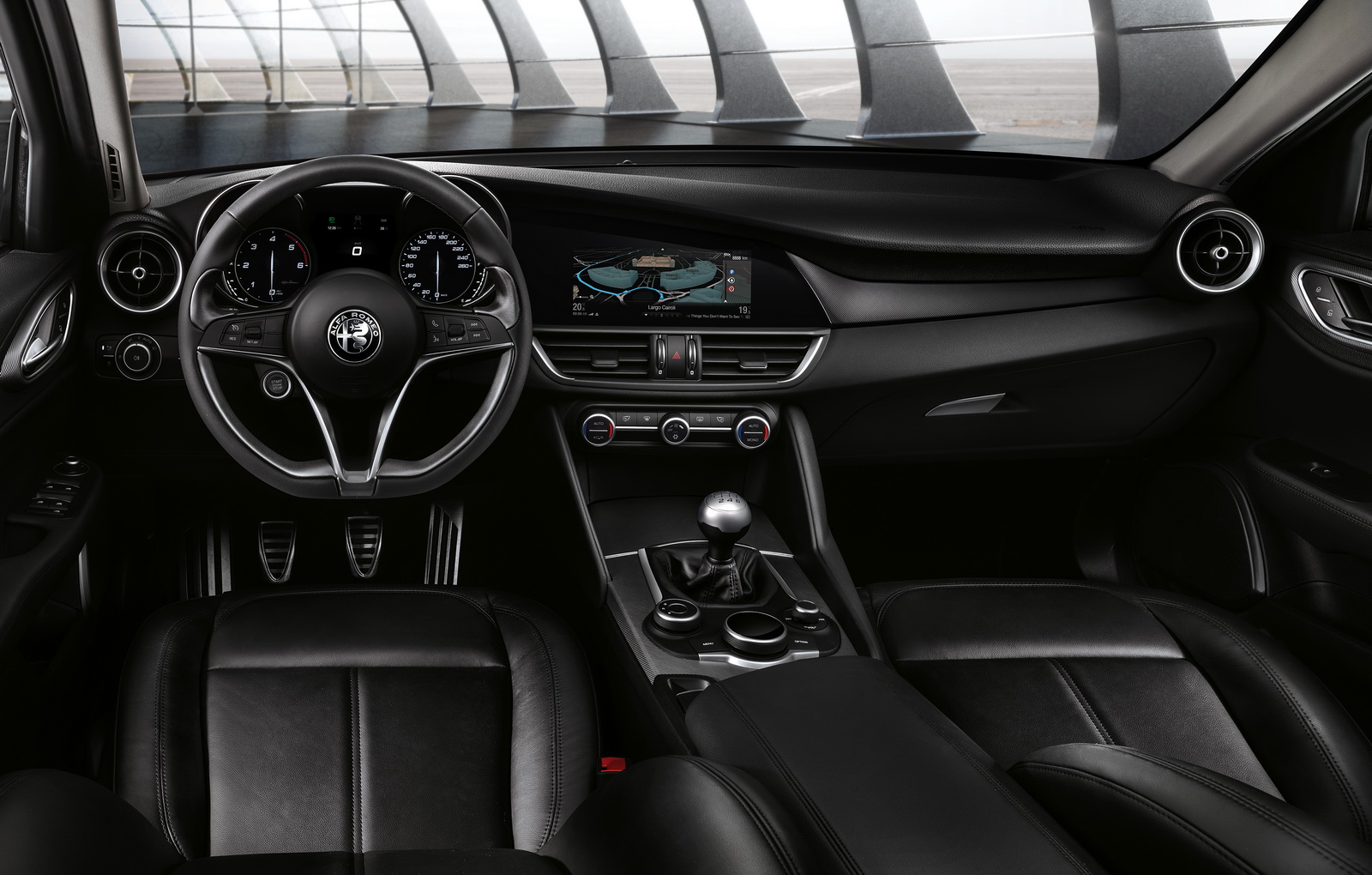 Nhiều chức năng, hệ thống an toàn sẽ có trên Alfa Romeo Giulia 2016