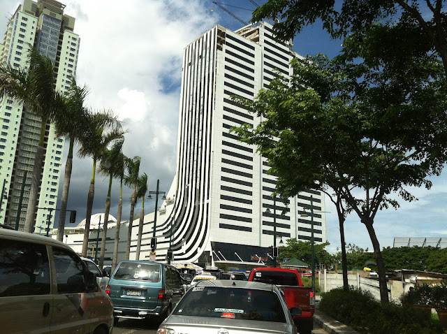 Buildings in Bonifacio Global City