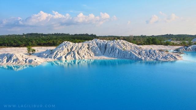 Danau Kaolin Air Bara Bangka