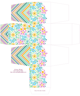 Free printable gift boxes- floral, spring, available in 2x2x2 and 3x3x1 inch sizes #printables #boxes #papercraft