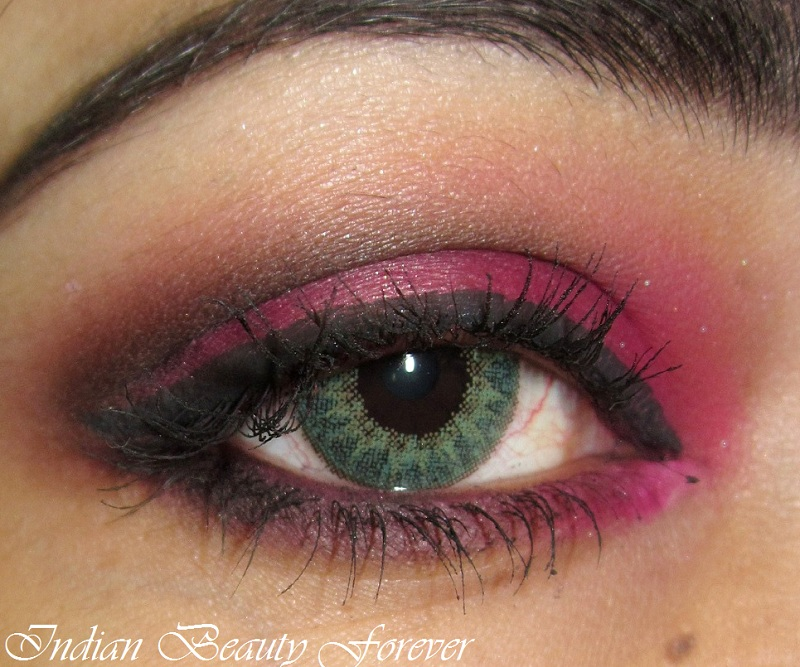 Pink smokey eyes makeup tutorial and tips