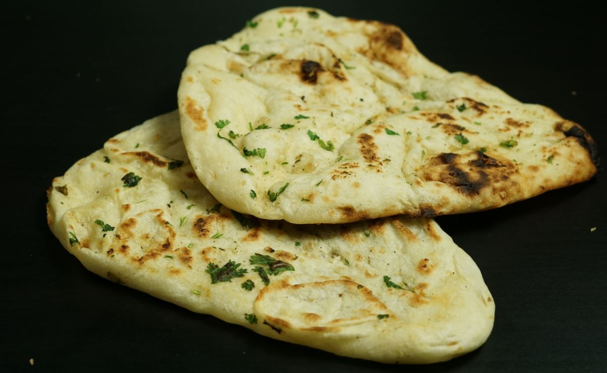 Naan Recipe / Garlic Naan Recipe | Steffi's Recipes