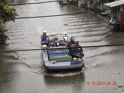 waste collection on Bangkok Klong Canal