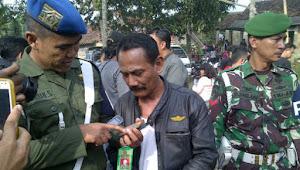Gunakan Atribut Militer Puluhan Anggota Ormas Dilucuti Petugas