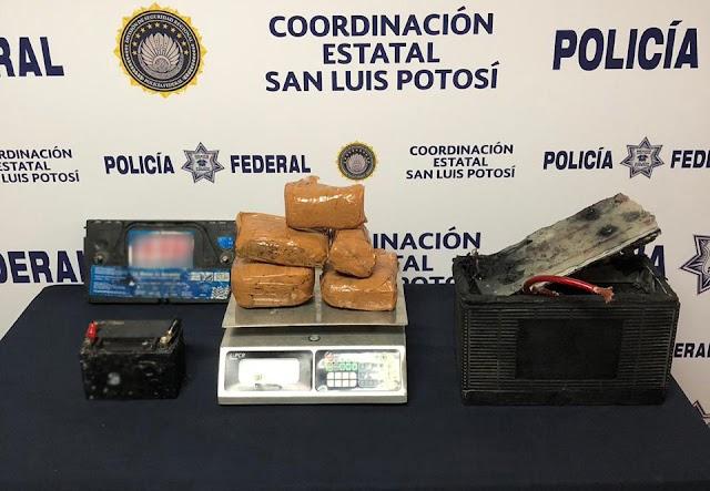 EN SAN LUIS POTOSÍ, POLICÍA FEDERAL ASEGURA MÁS DE TRES KILOS DE CRYSTAL Y GOMA DE OPIO EN UNA BATERÍA AUTOMOTRIZ