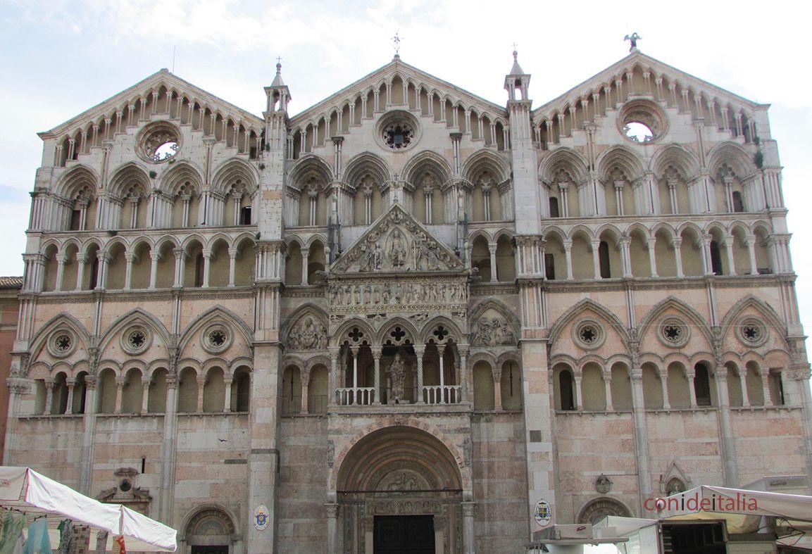 Fachada del Duomo de Ferrara