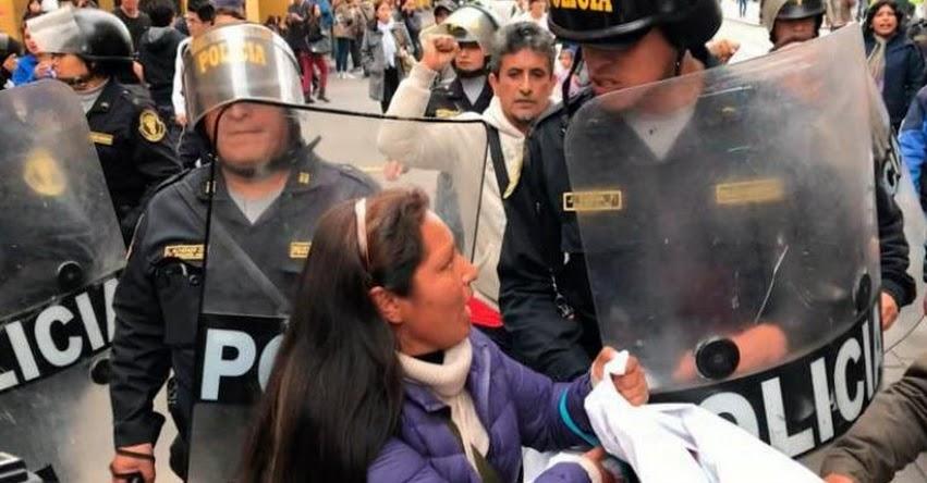 Maestros evalúan levantar huelga indefinida por poco alcance, según SUTER - La Libertad