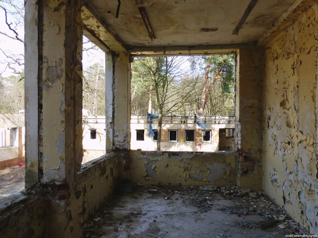 Opuszczony i zrujnowany Dwór Bojarów w Otwocku