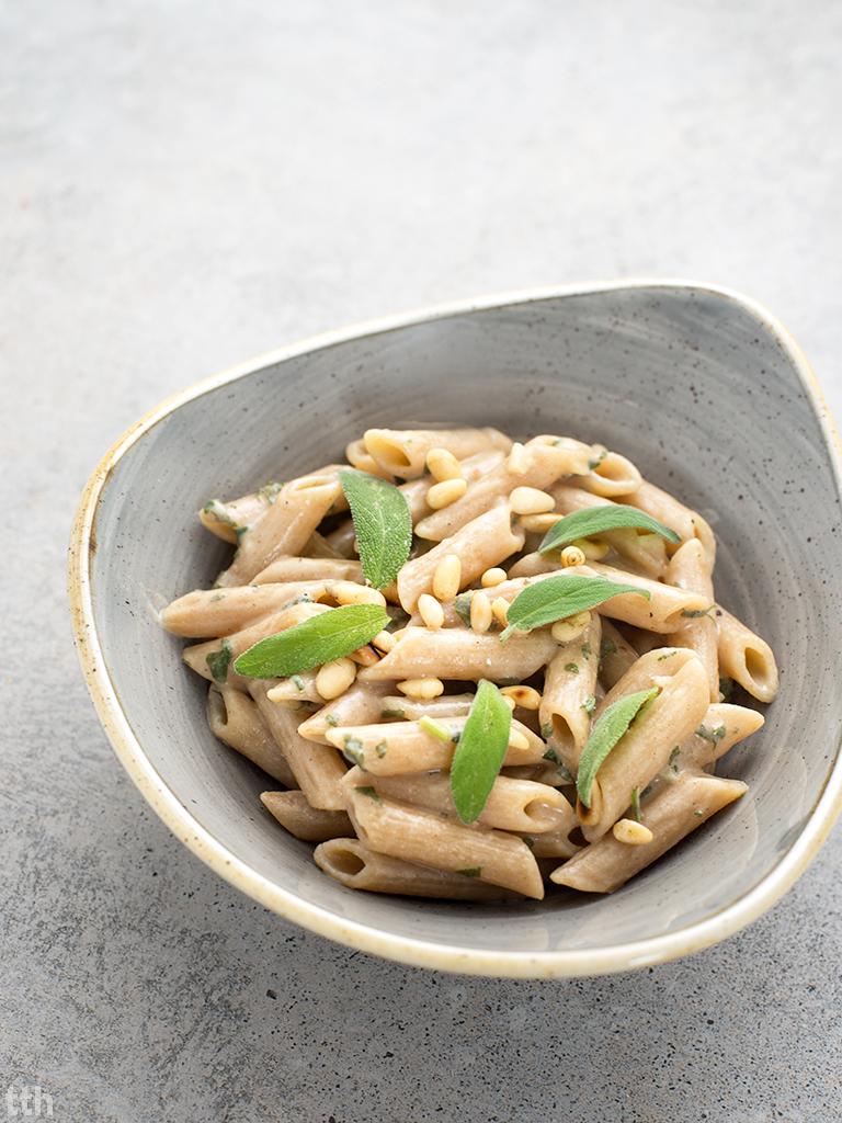 Penne z szałwią w sosie śmietanowym wegańskie, bezglutenowe wegański blog