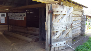 Carisbrook Log Gaol
