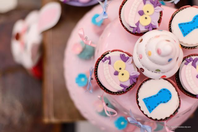 cupcakes alice no pais das maravilhas
