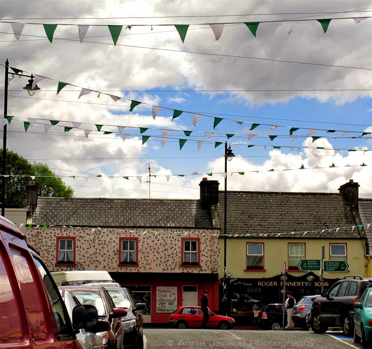 Oughterard, summer, busy streets, people, tourists, cars,