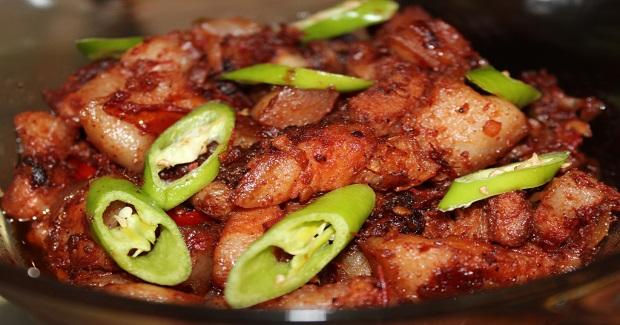 Pork Binagoongan (Pork With Shrimp Paste) Recipe