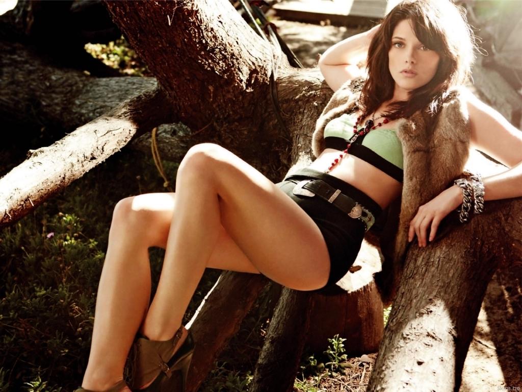 Ashley Greene Hot Wallpapers - HD ~ DISNEY STAR UNIVERSE