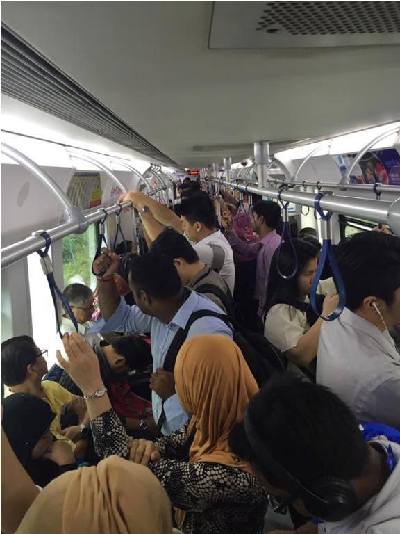 Bekerja dan mengandung di dalam keretapi? Tak menyeronokkan