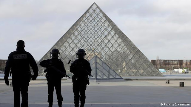 Τρομοκρατική επίθεση στο Λούβρο