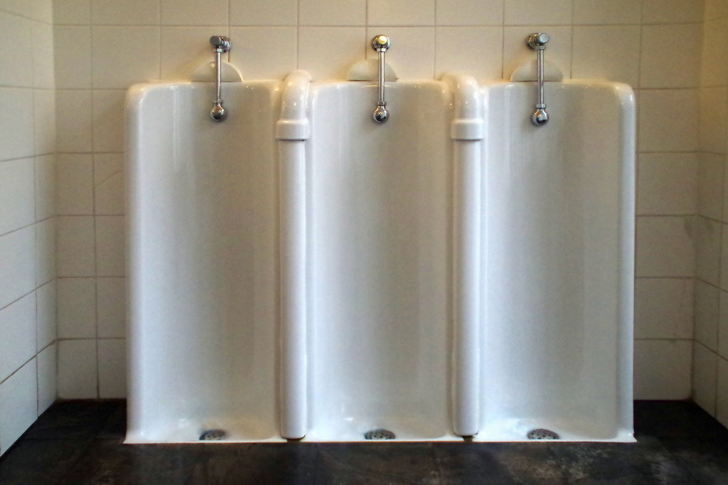 pasang dan instalasi urinoir Tarakan