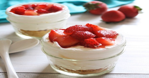 No-Bake Strawberry Cheesecake Cups Recipe