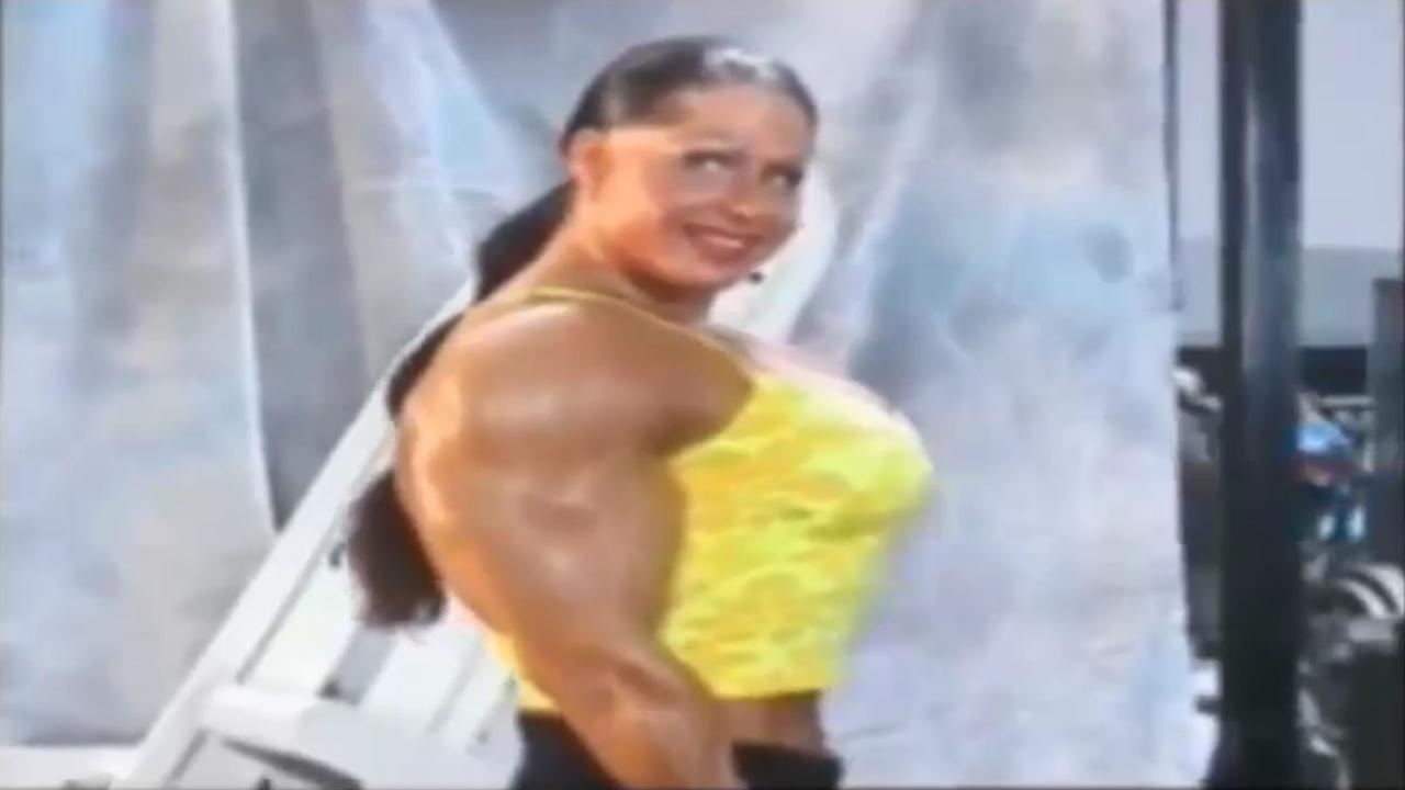 Clip Women's Bodybuilding Big biceps
