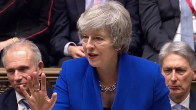 May supera moción de censura tras perder la votación del Brexit