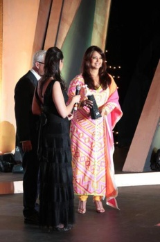 Bollywood Buzz: Aishwarya after baby birth unseen pictures  |Aishwarya After Baby Birth
