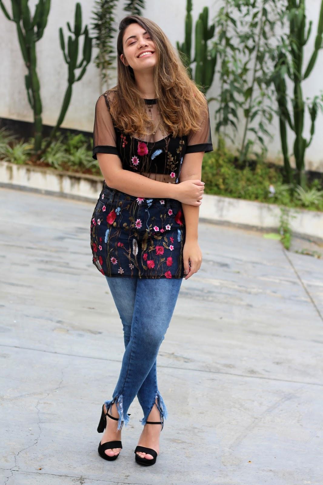 Look da Ana Anadodia t-shirt transparência bordada tule jeans lovelywholesale