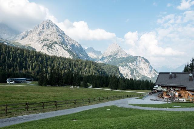 Übers Gatterl auf die Zugspitze  Alpentestival Garmisch-Partenkirchen   Gatterl-Tour auf die Zugspitze über ehrwalder Alm und Knorrhütte 05
