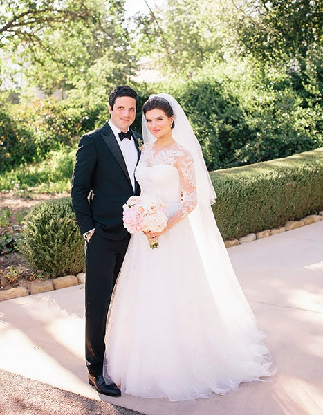 Elisha Cuthbert Wedding.Red Carpet Wedding Casey Wilson And David Caspe Red Carpet Wedding