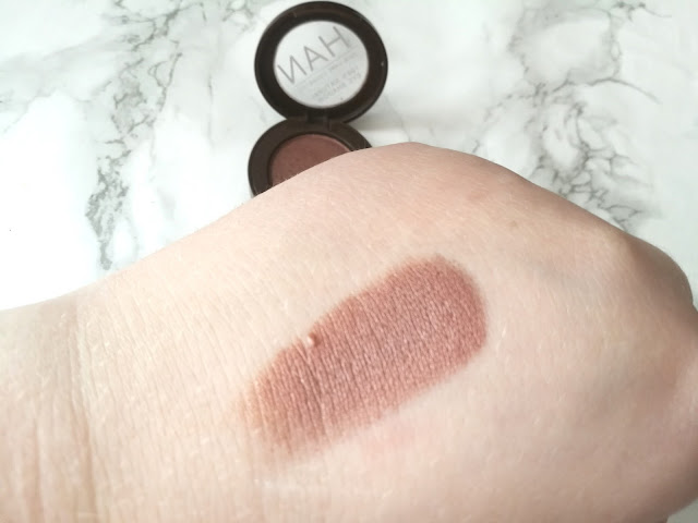 Han Skin Care Cosmetics 100% Natural Eyeshadow Taupey Plum Swatch