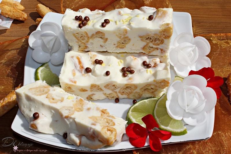 Limonkowy deser lodowy z serkiem mascarpone i słomką ptysiową