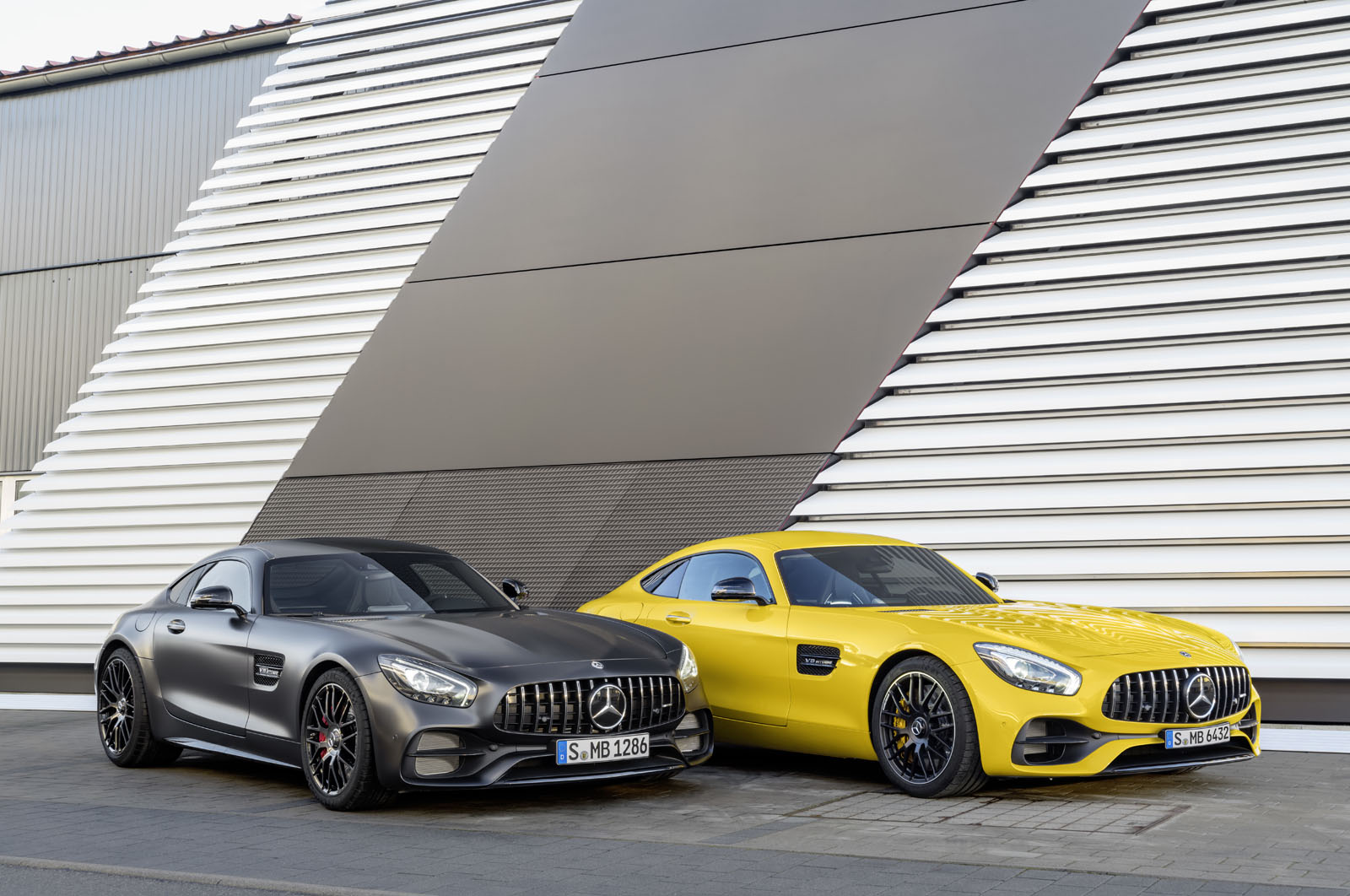 2014 - [Mercedes-AMG] GT [C190] - Page 29 16C1134_03
