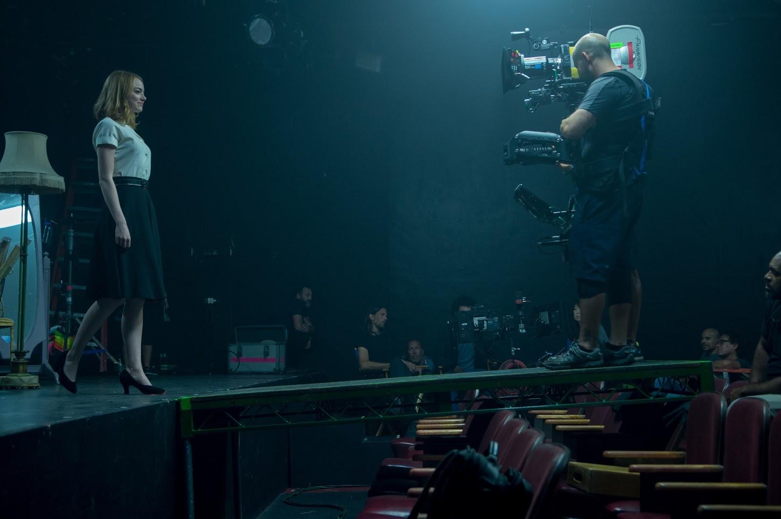 Emma Stone filmando película - LaLaLand
