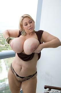 hot mom xxx