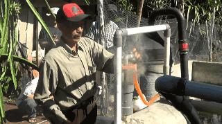 Luar Biasa! Pria Asal Bengkulu Ini Ciptakan Alat Pembakar Sampah Tanpa Asap