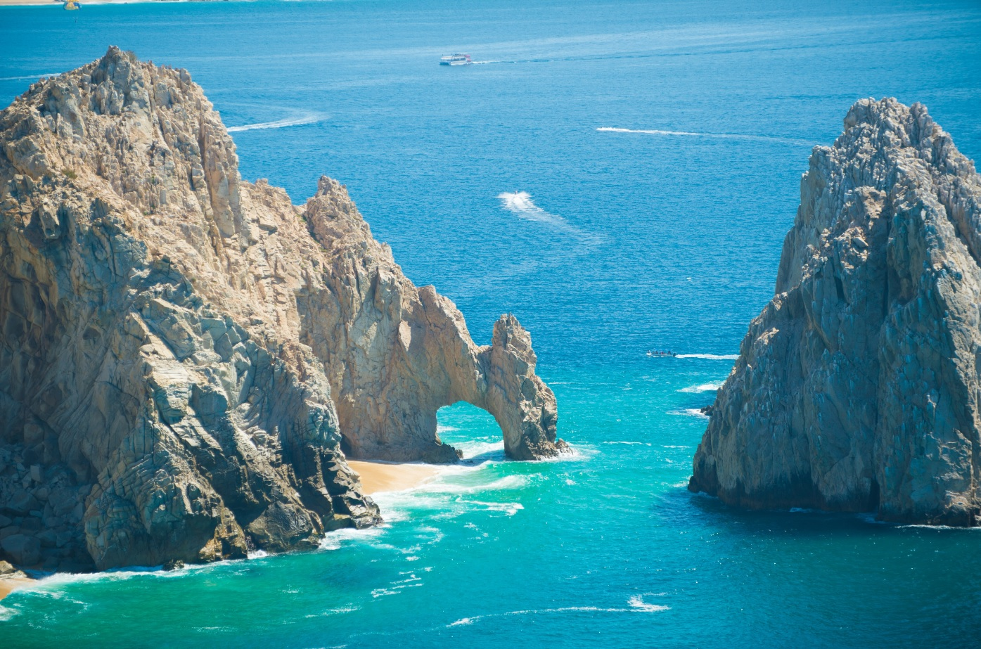 Hotels Near The Arch In Cabo San Lucas